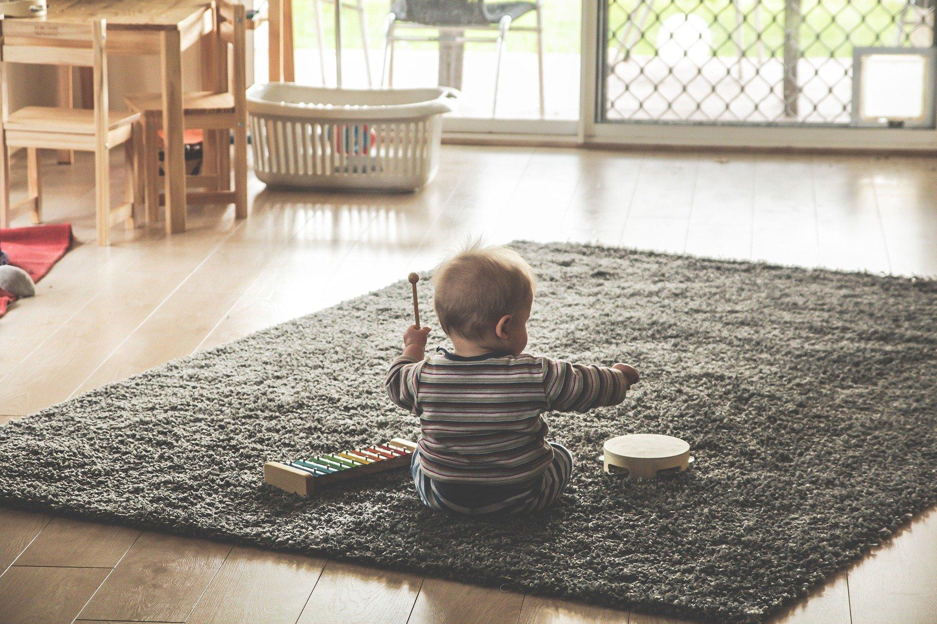 Trouver une assistante maternelle : comment bien la choisir ?